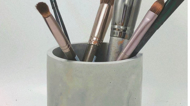 Make Up Brushes / Pen Holder