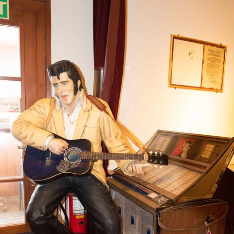 Elvis ist bereits da...
