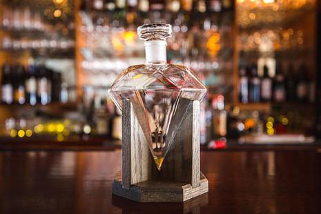 Diamond Whiskey Decanter With Base