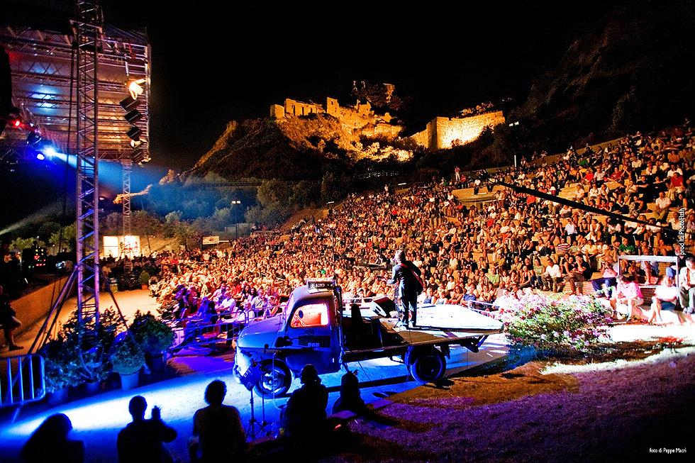 Teatro al Castello Roccella Jazz foto di Peppe Macrì