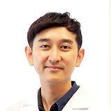 Doctor Vee_Thanakorn.jpg