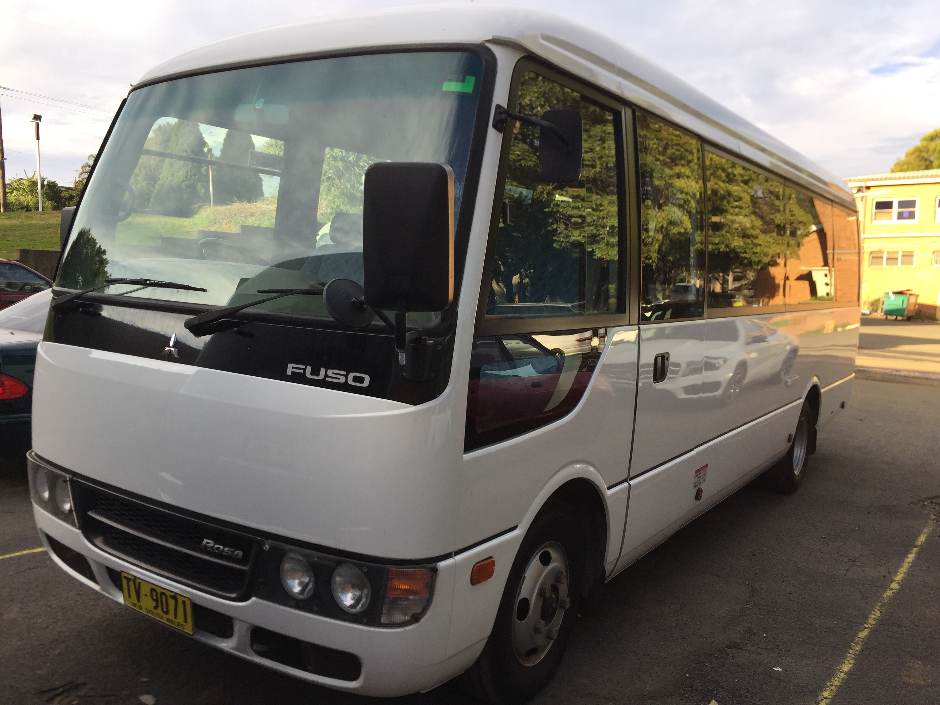 Mitsubishi 21 seats mini bus