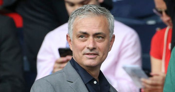 Jose thumbs up Manchester United