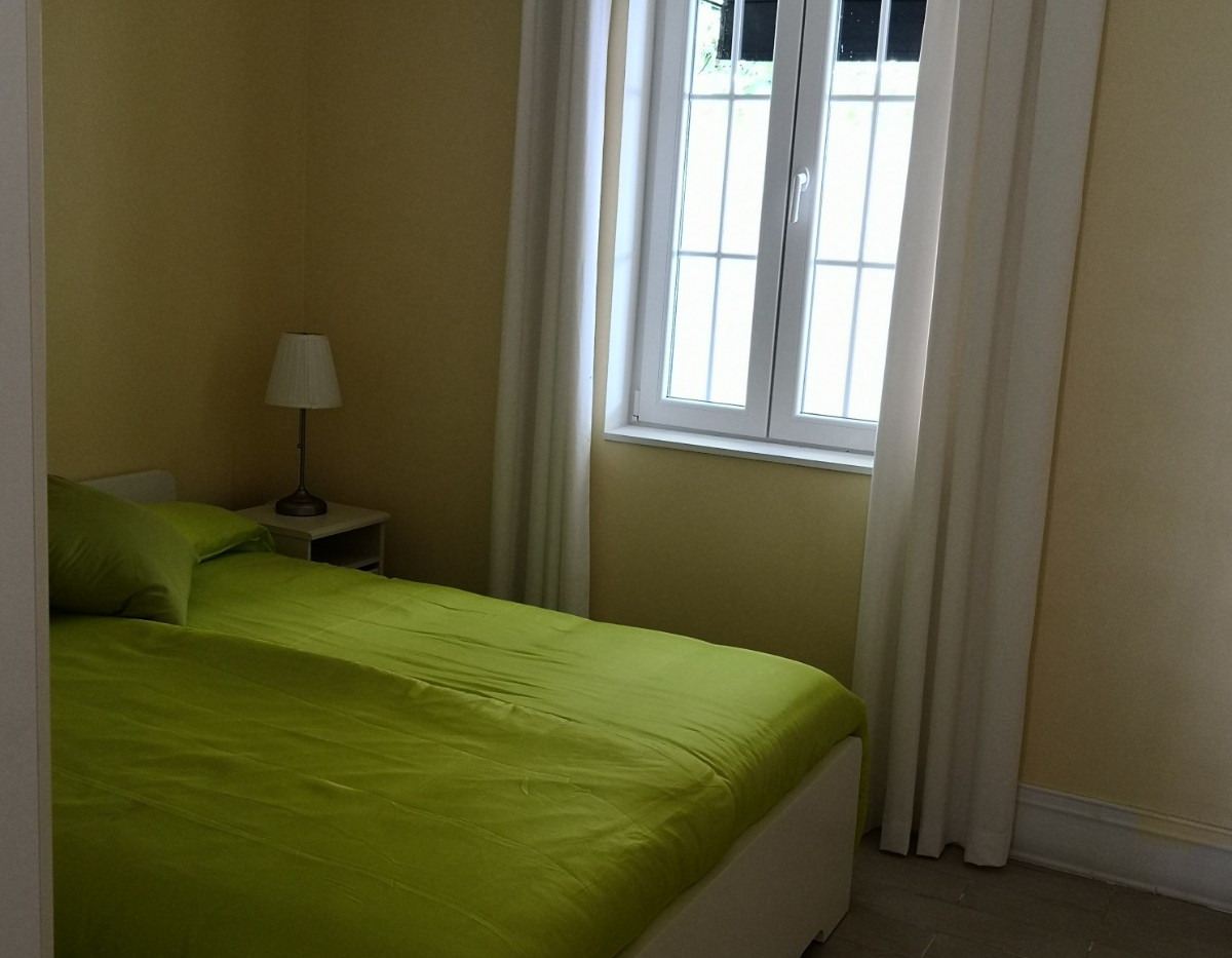 Schlafzimmer 2 a.jpg