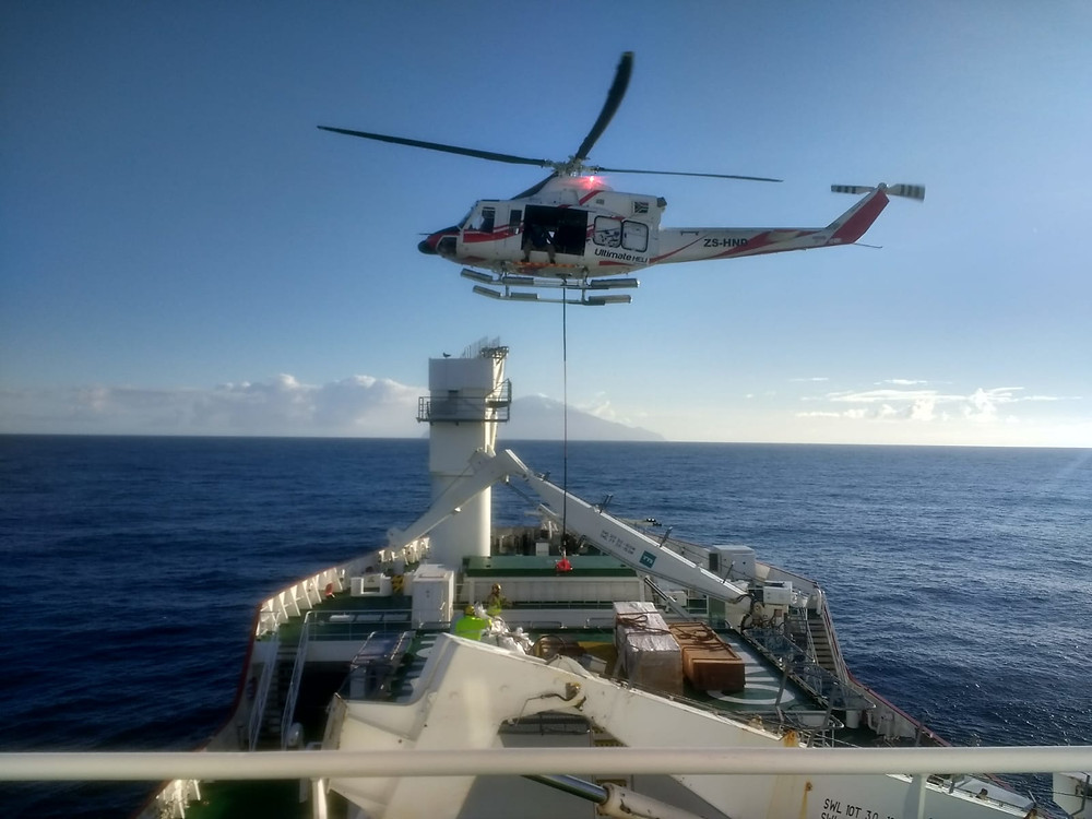 Unloading the ship by helicopter (R.Hall)