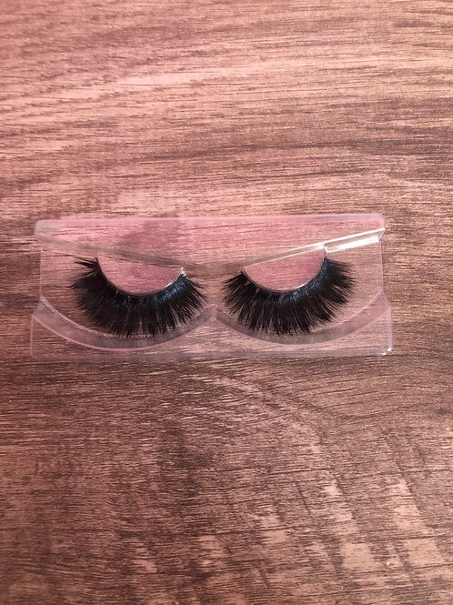 """The """"Luxe"""" Lash"""