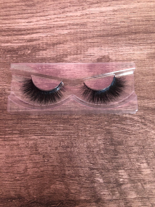 """The """"Flawless"""" Lash"""