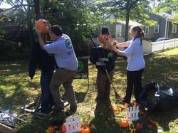 Setting+up+pumpkin+people+2014
