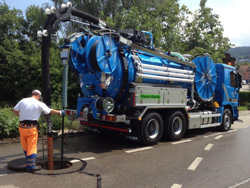 Saugarbeiten Frei Kanalreinigung jpg