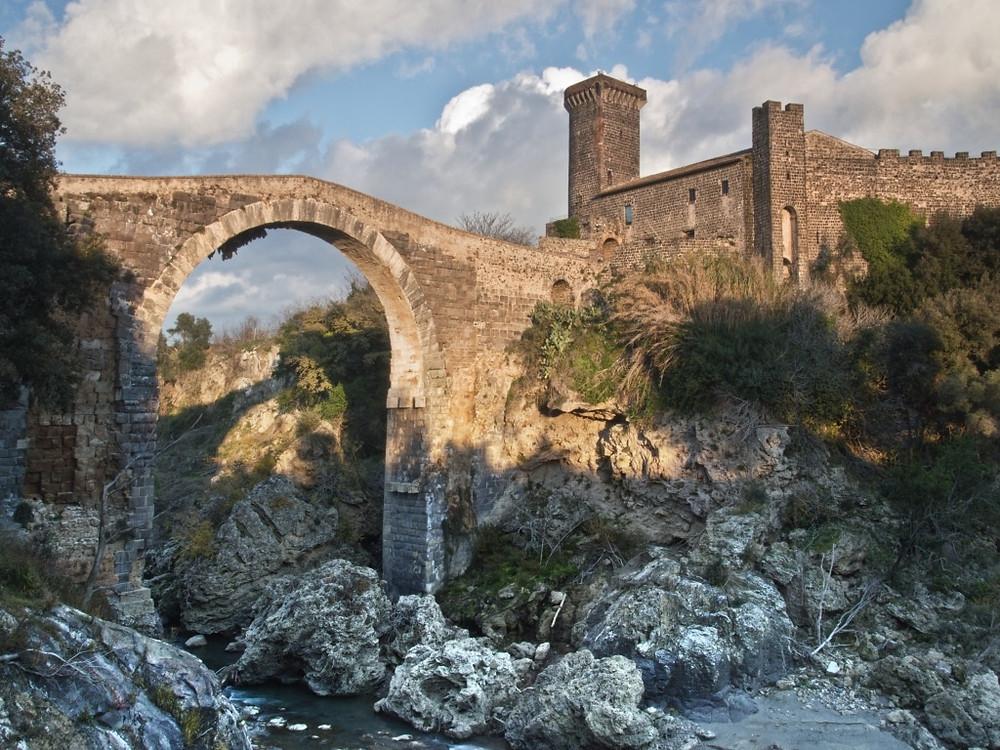 Ponte del Diavolo sul fiume Fiora, Vulci