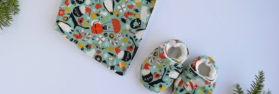 Baby bib and shoes set
