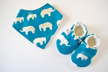Blue elephant bib and shoes set by Waku Waku Baby