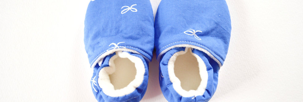 Blue ribbon baby shoes