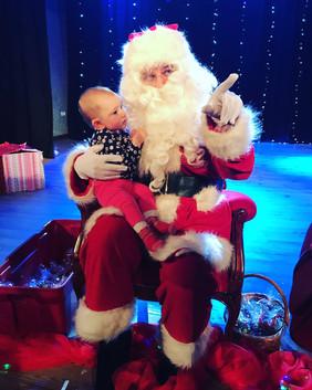 Wszystkie dzieci kochają naszego Mikołaja