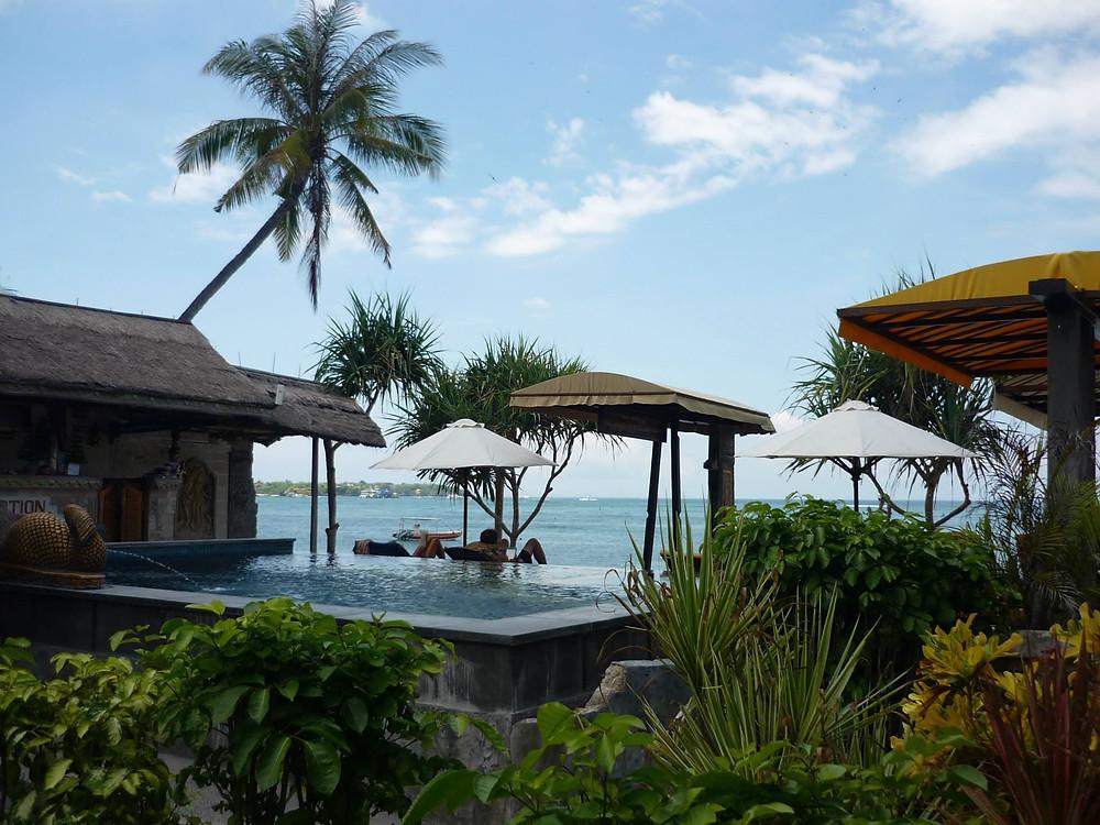 The pool at Ketuts Losmen, Nusa Lembongan in Bali