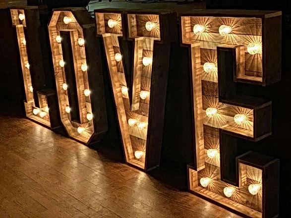 XXL-Love02.jpg