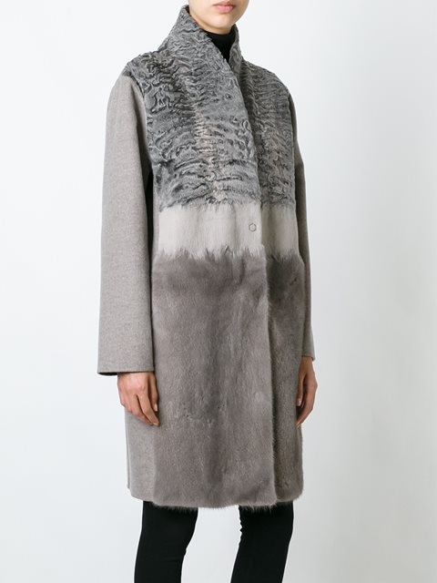Серое меховое пальто от Manzoni 24.