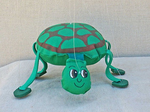 Marioneta de hilos de tortuga verde