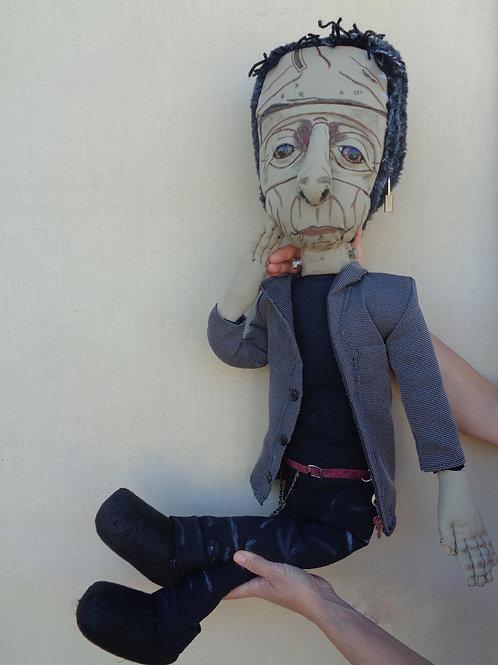 Muñeco Frankenstein sentado