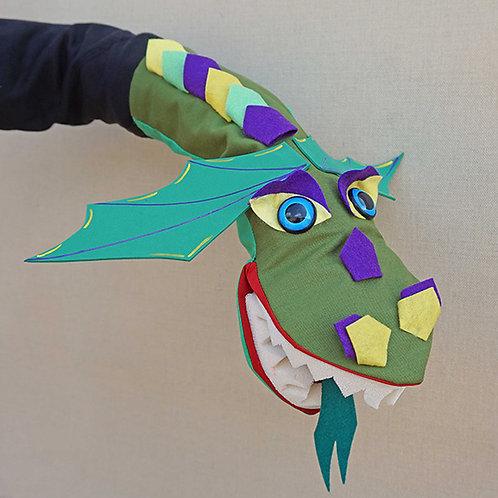 Títere de dragón verde con alas