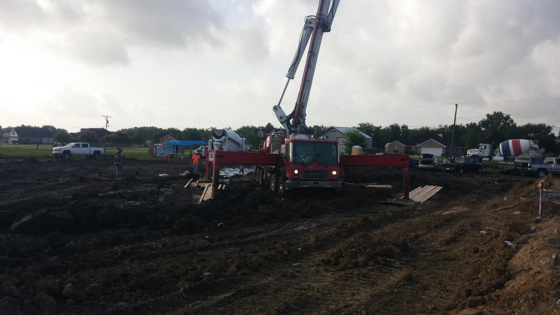 concrete pumptruck pumping