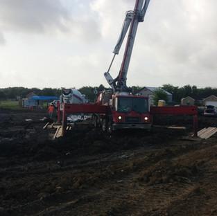 pump truck: pumping concrete