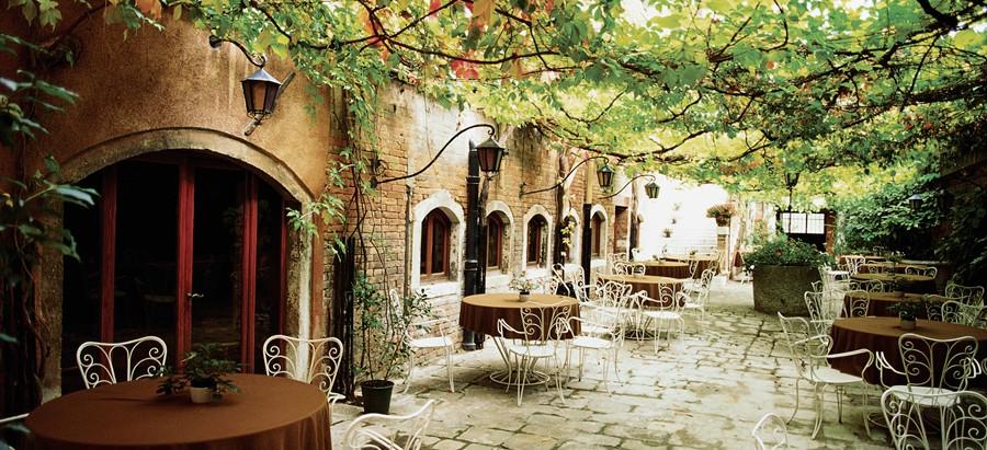 1. Liebevoll - Onlinecafé