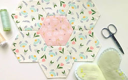 English Paper Piecing supplies and free patterns and hexagon templates from Honeybee Cloths