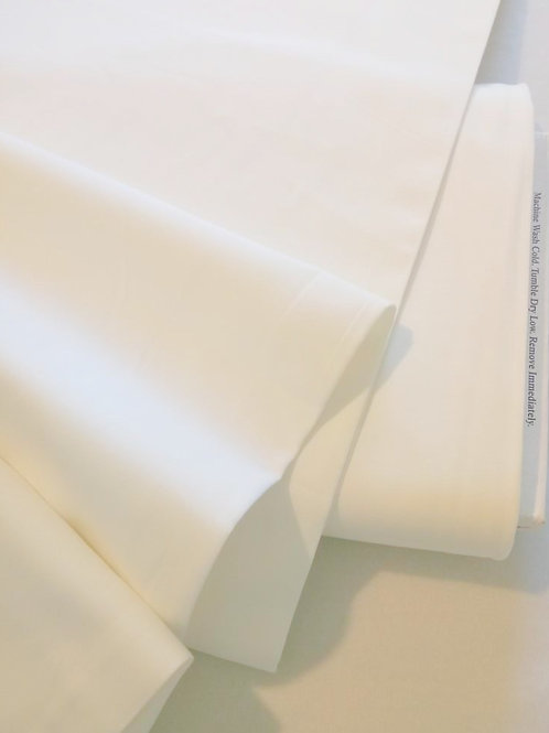 "108"" extra wide 200 count Calico / Muslin - Warm White (Moda Fabrics)"