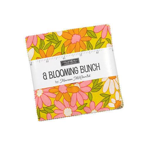 A Blooming Bunch Charm pack - Maureen McCormick (Moda Fabrics)
