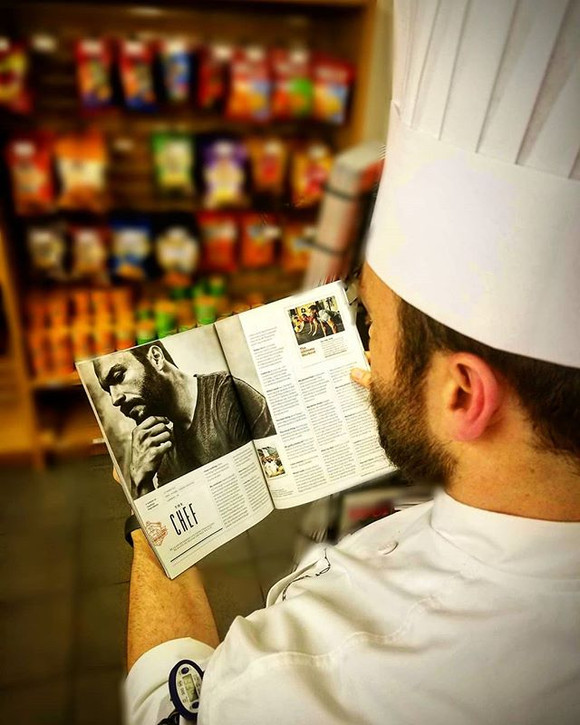 Coffee break _sbuxcleclinic in the Cleveland Clinic, then I stopped by the bookstore for a good read ;) Found an article about a chef who wa