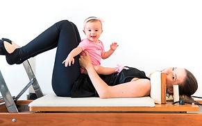 Exercícios-de-Baby-Pilates-CAOA-min.jpg