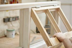 Carpenter Assembling nouvellement FENETR