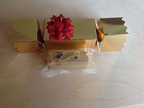 3 Deluxe Christmas Crackers - Each containing a fudge bar