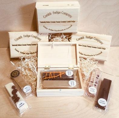 Finger Fudge Set in a Pine Gift Box