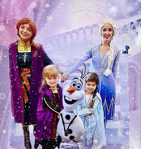 Mini Anna & Elsa.jpg