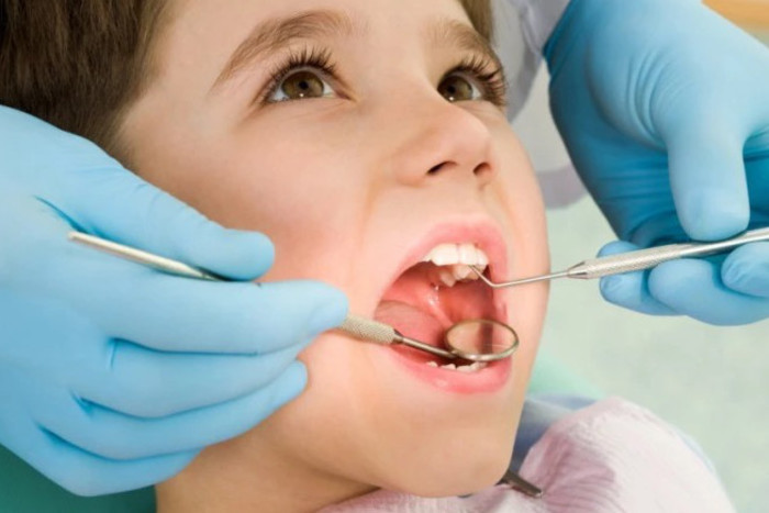 A Child's First Dental Visit