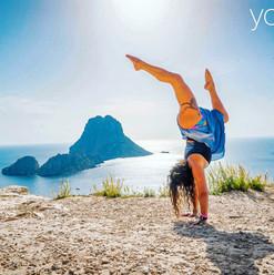 handstand es vedra yoga fit retreats.jpg