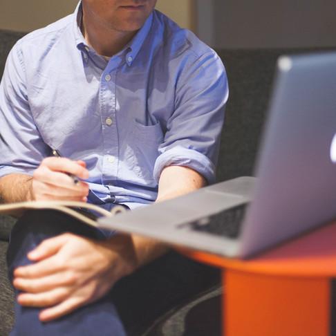 9 razones que nos hacen la mejor opción para corregir tu tesis