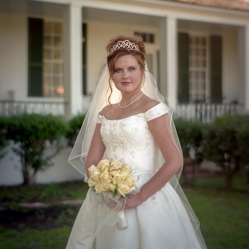 Beautiful bride at Azalee Plantation near Shreveport, LA