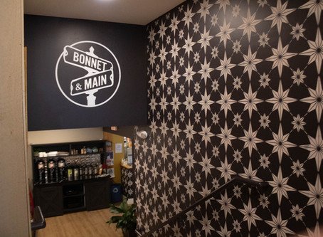 Bonnet and Main Café -Coffee Shop, Breakfast, Lunch and Baked goods.