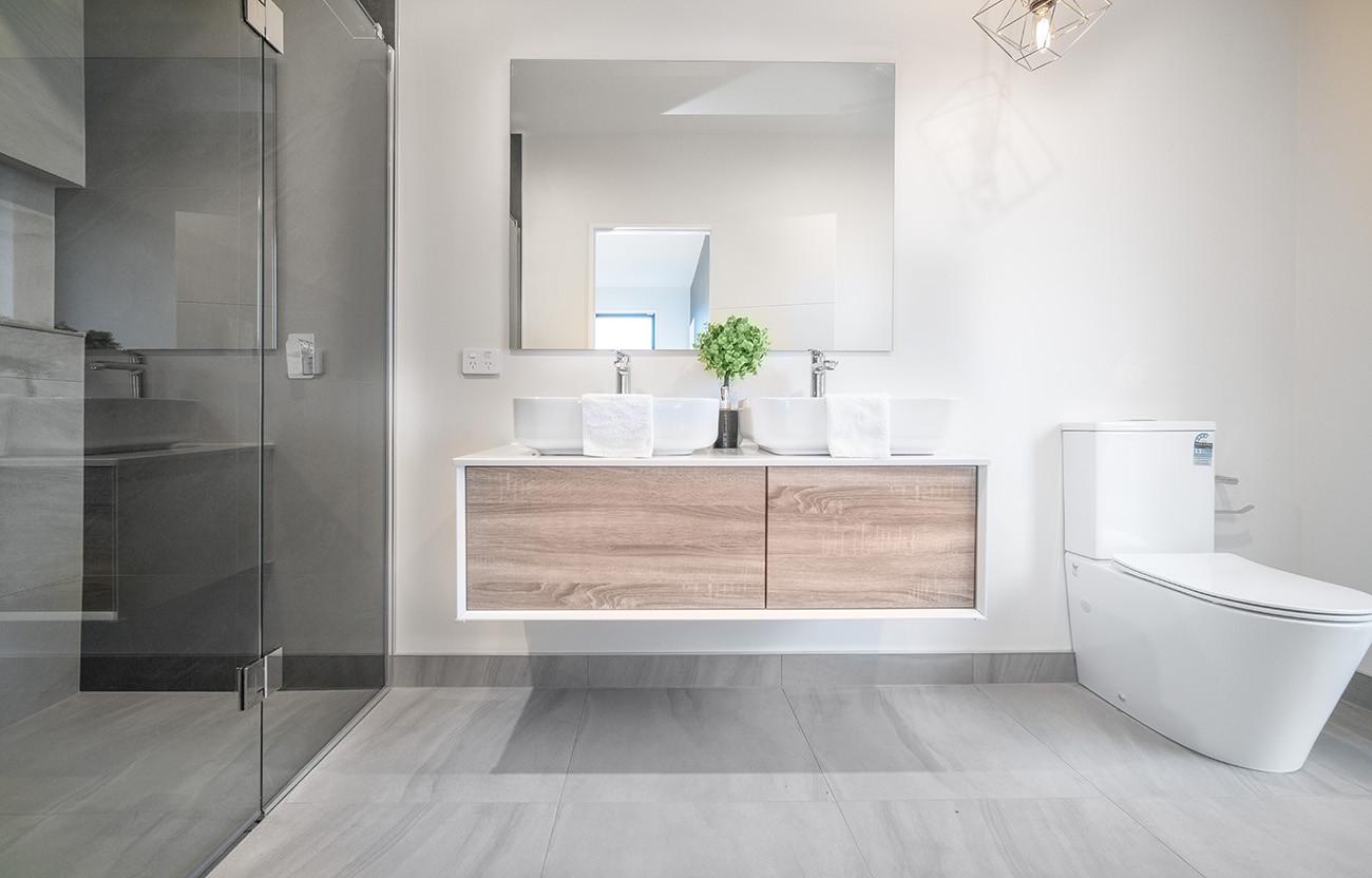 Bathroom 3 -TradeMe Size.jpg