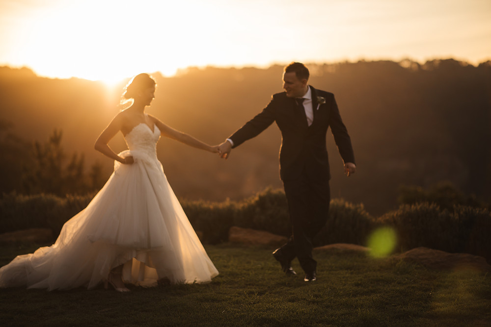 sunset strolls at blue mountains wedding at logan brae orchards