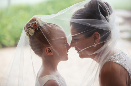 Step-daughter and step-mother share a special moment - de lumière photography