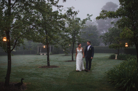 Misty walks through the grounds of Suzarosa on their wedding day - de lumière photography