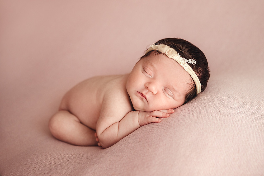 what is the best age for newborn photos?