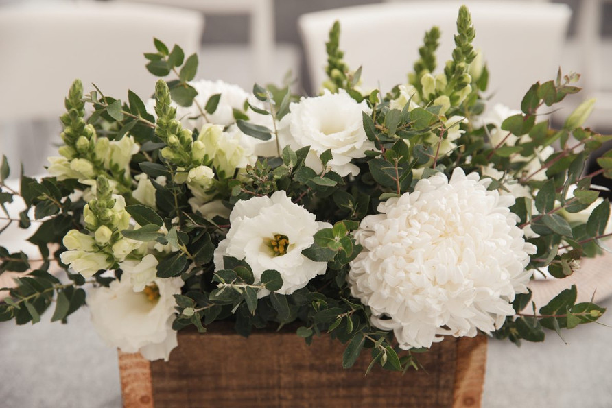 White and green wedding styling by Blaxland Blooms