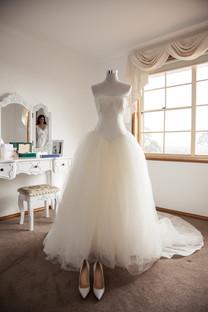 vera wang wedding dress on mannequin