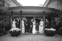 Black and white photo of the bridal party - Blue Mountains wedding photographer de lumière photography