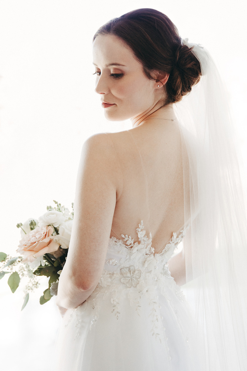 stunning bride at bendooley estate destination wedding venue